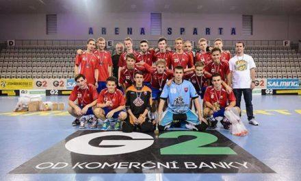 Reprezentácia juniorov z G2 Cupu so striebrom.