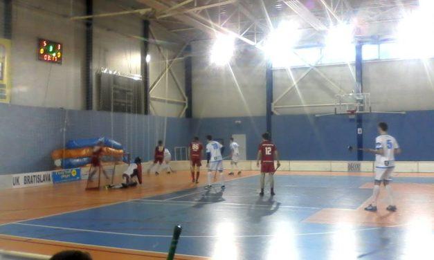Juniorská extraliga mala na programe dve dohrávky.