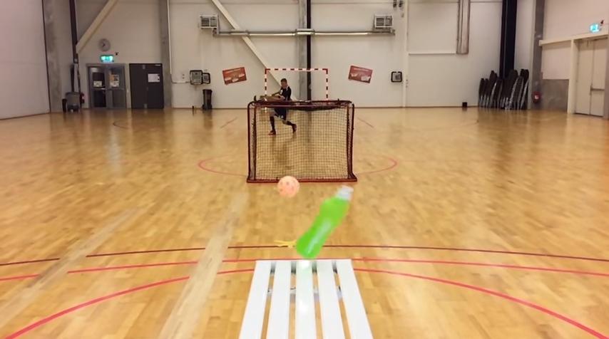 VIDEO: To je borec! Pozrite sa, ako hrá Mika Kohonen kolky!